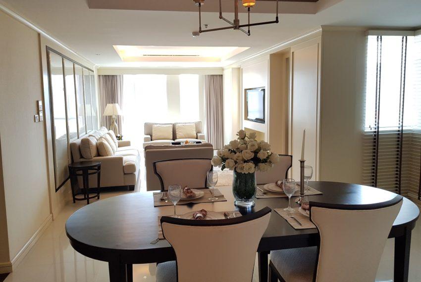 The Oleander Sukhumvit 11 3-beds furnished sale - living
