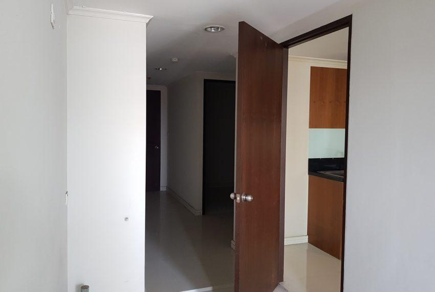 The Oleander Sukhumvit 11 3-beds furnished sale - maid area