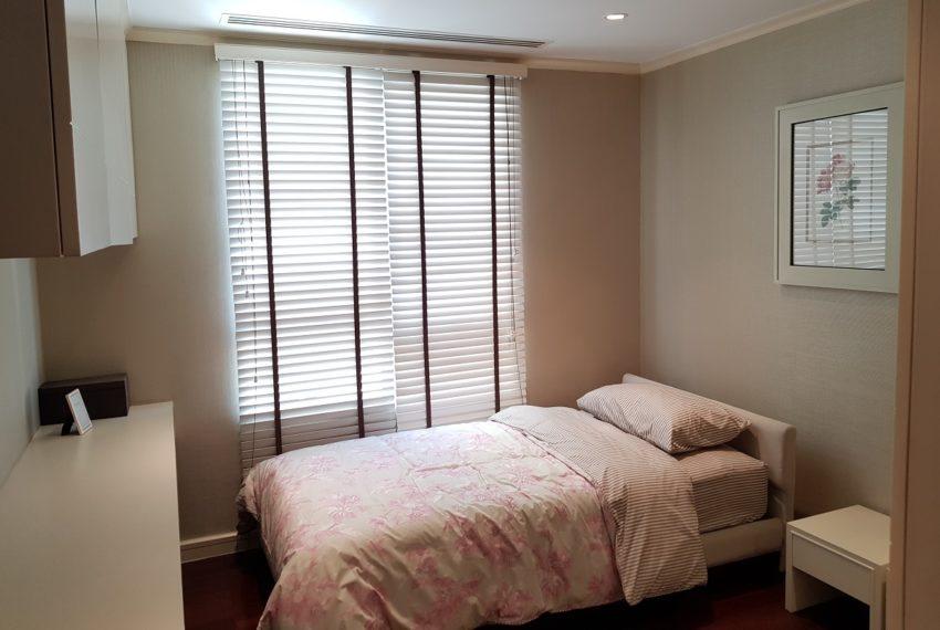 The Oleander Sukhumvit 11 3-beds furnished sale - smaller bedroom