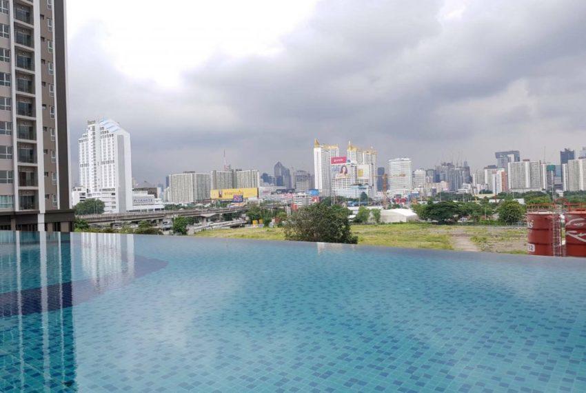 The Parkland Grand Asoke-Phetchaburi - infinity pool
