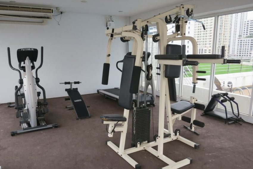 The Peak Sukhumvit 15 condo - fitness