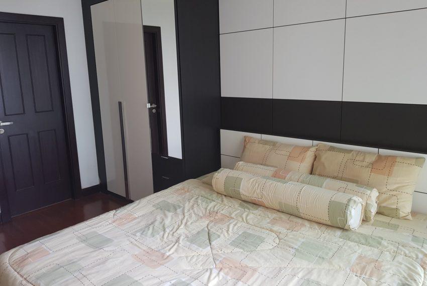 The Prime 11 - 1-bedroom - Sale - mid-Floor - bed