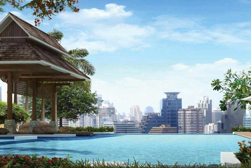 The Prime 11 Condominium in Nana - garden and pool