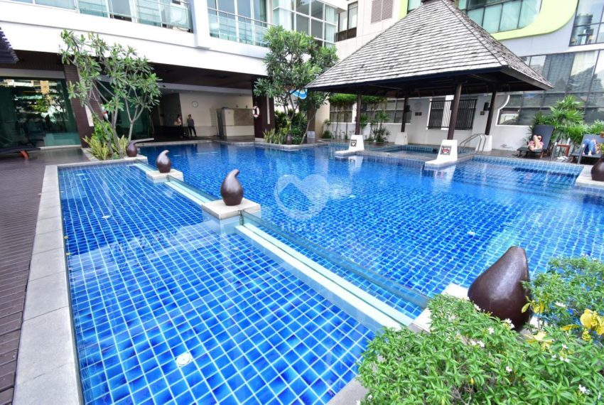 The Prime 11 Condominium in Nana - pool