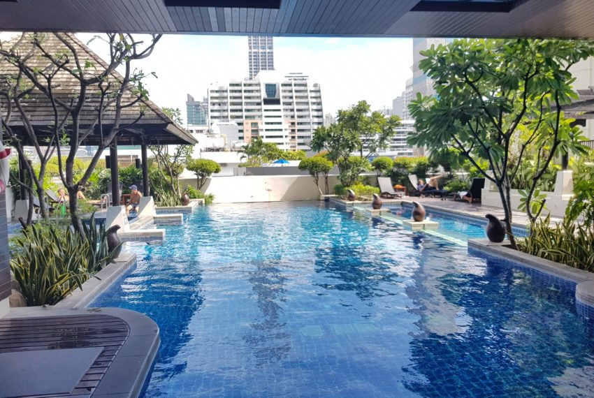 The Prime 11 condominium - swimming