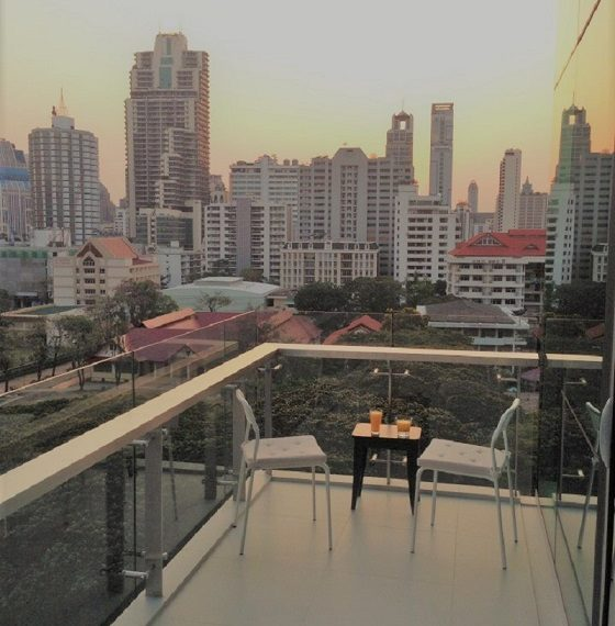 The-Room-Asoke-Balcony