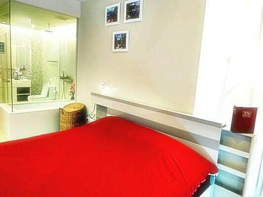 The Room Asoke bedroom 01