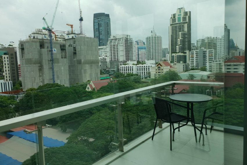 The-Room-Asoke-duplex-midfloor-room-corner-unit
