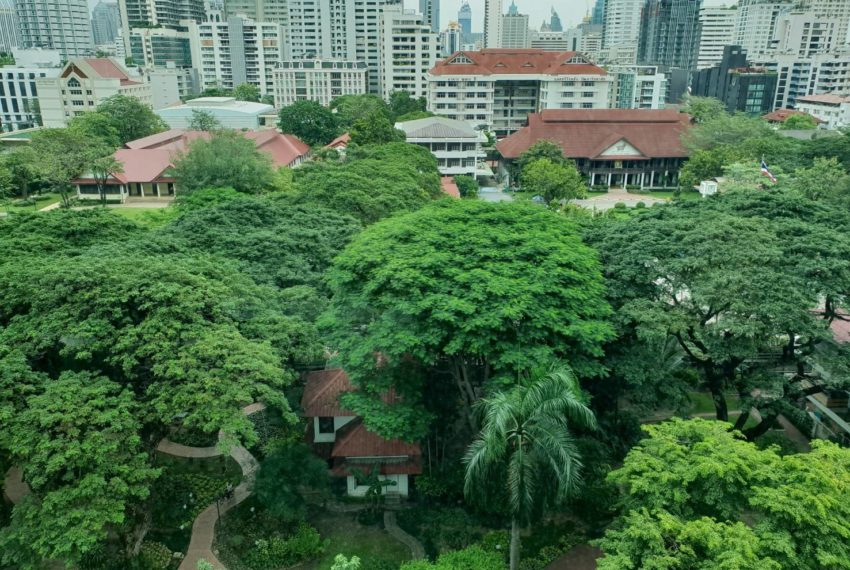 The-Room-Asoke-duplex-midfloor-room-park-view