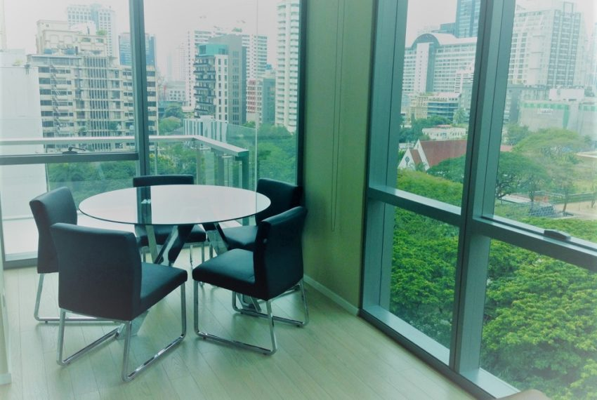 The-Room-Asoke-living-area4