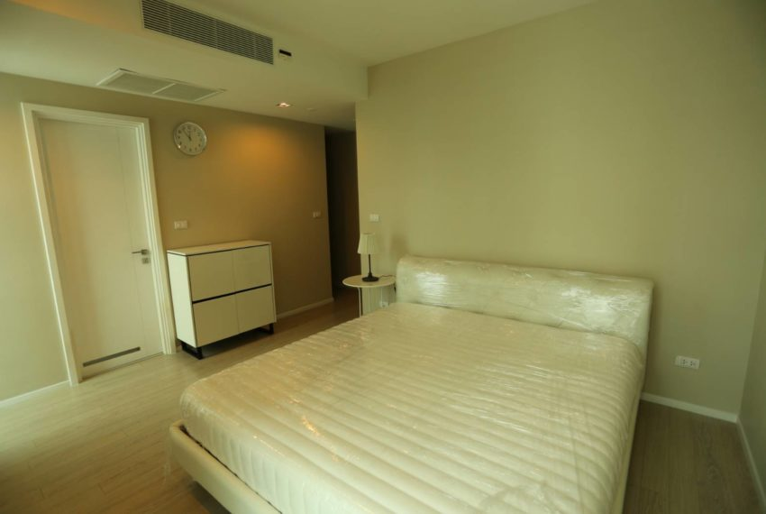 The-Room-Sukhumvit-21-duplex-2-bedroom-bedroom