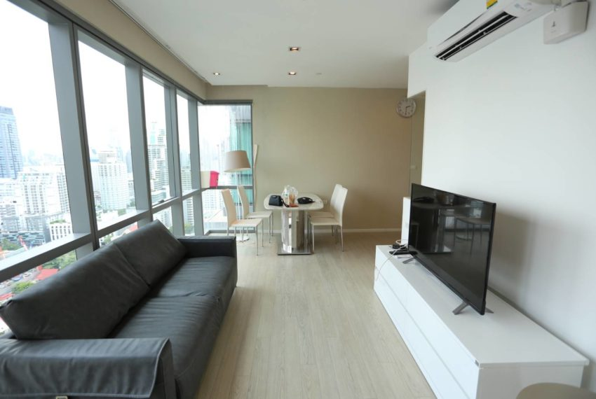 The-Room-Sukhumvit-21-duplex-2-bedroom-flat-TV