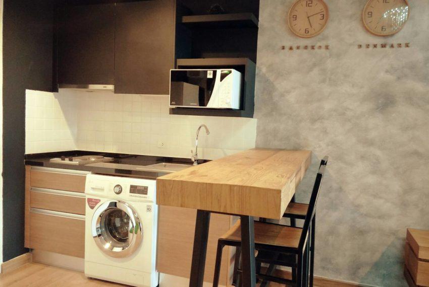 The Seed Musee Sukhumvit 26 condo - kitchen wshing machine