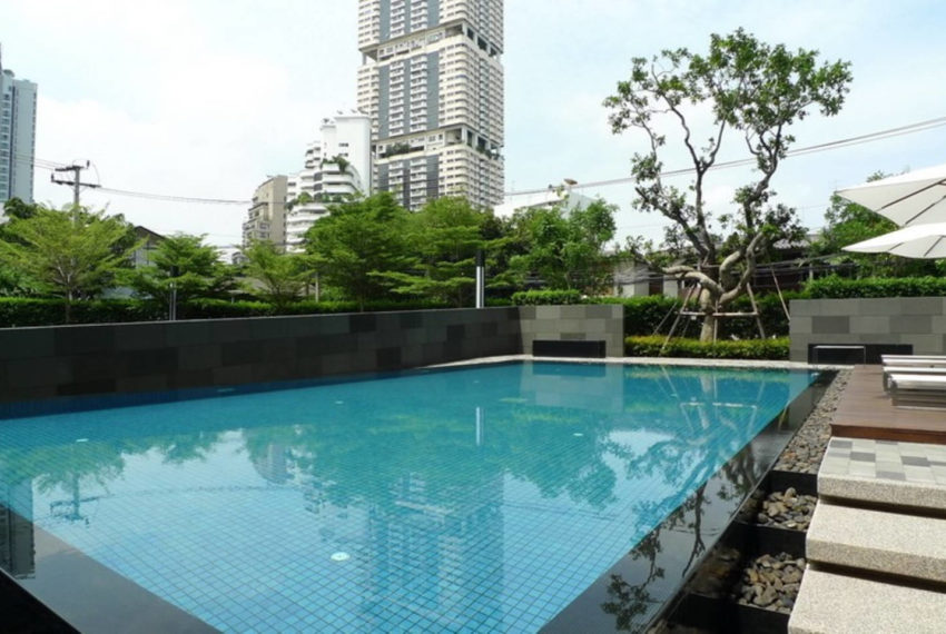 The Seed Musee Sukhumvit 26 condo - swim
