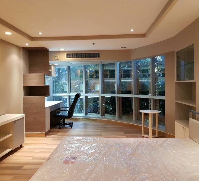 The-Trendy-Condominium-Sukhumvit-13-2-bedroom-RENT-large-bed