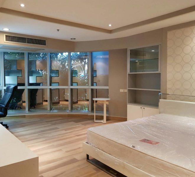 The-Trendy-Condominium-Sukhumvit-13-2-bedroom-RENT-large-bedroom