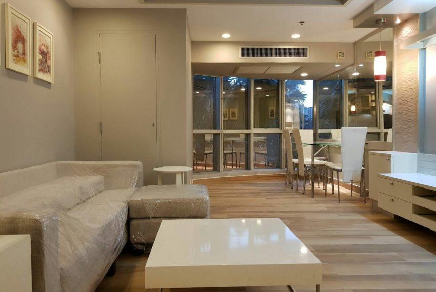 The-Trendy-Condominium-Sukhumvit-13-2-bedroom-RENT-living