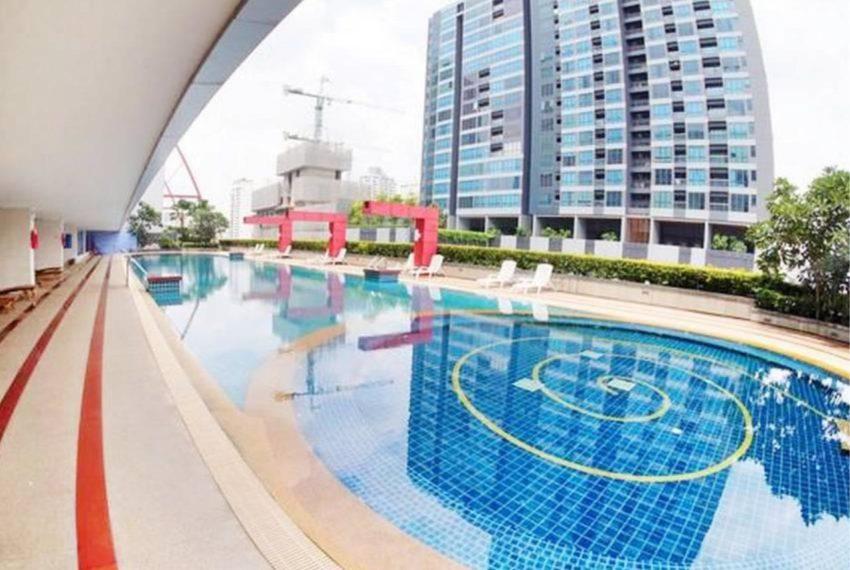 The Trendy Condominium in Sukhumvit 13 - pool