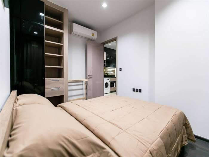The line Asoke-Ratchada Rama9 2beds 1 bath- living room
