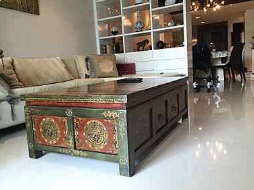 The olander-seller-living room2