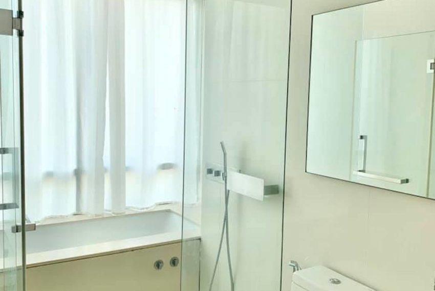 TheRoomAsoke_bathroom_Rent