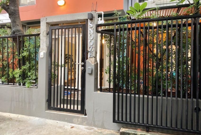 TownhomeEkamai12_Door2_Rent