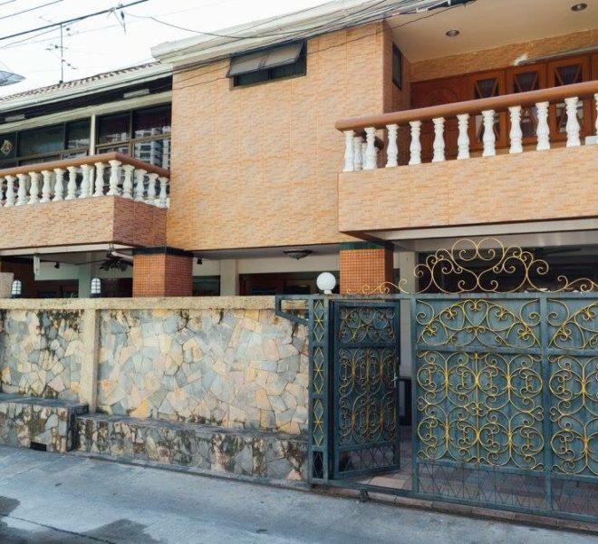 Townhouse Sukhumvit 26 for sale - house