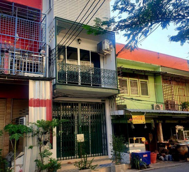 townhouse for rent at Sukhumvit 16