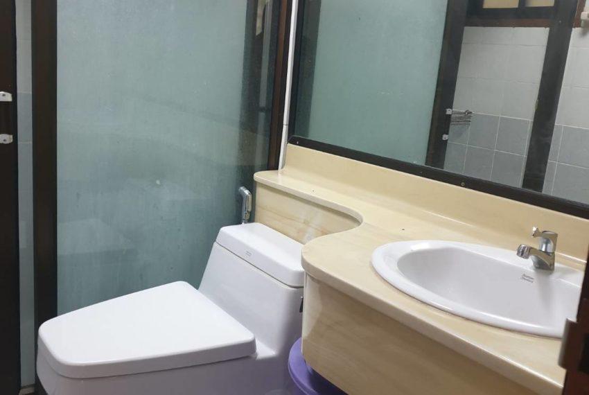 Townhouse in Sukhumvit 71 - toilet