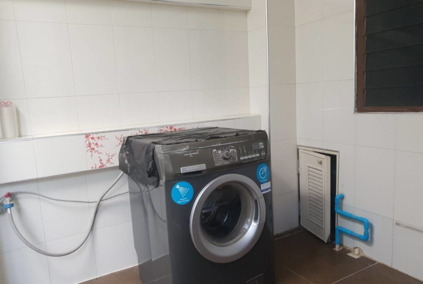 Townhouse in Sukhumvit 71 - washing machine