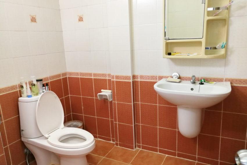 Townhouse_4FL4b5b_Bathroom3FL_Back