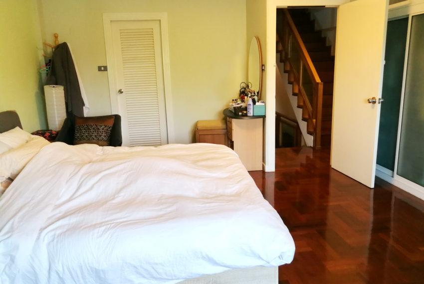 Townhouse_4FL4b5b_Bedroom2FL_Front1.2