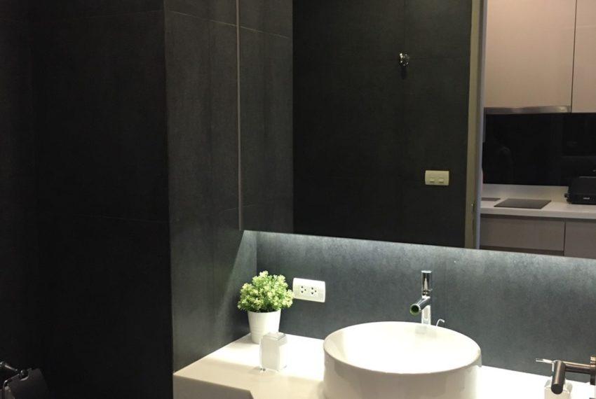 Trapezo_Bathroom_Rent