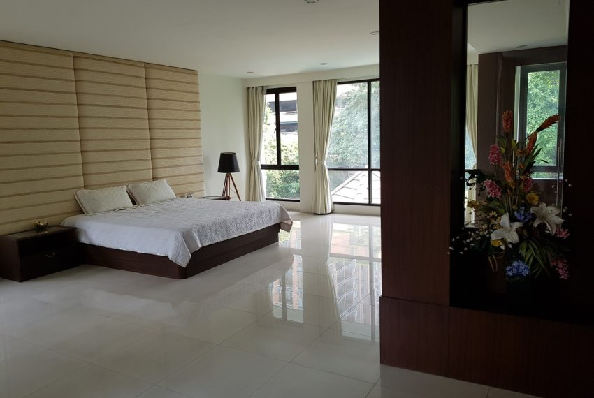 Unique House in the midst of Asoke - bedroom3