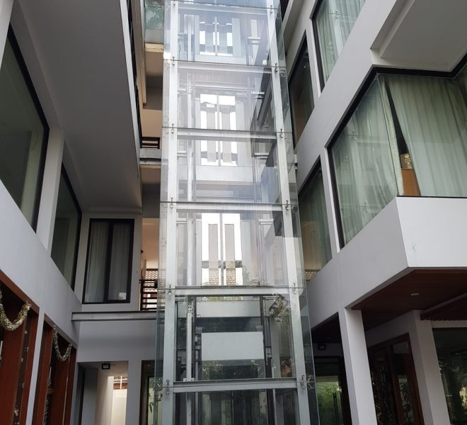 Unique House in the midst of Asoke - lift
