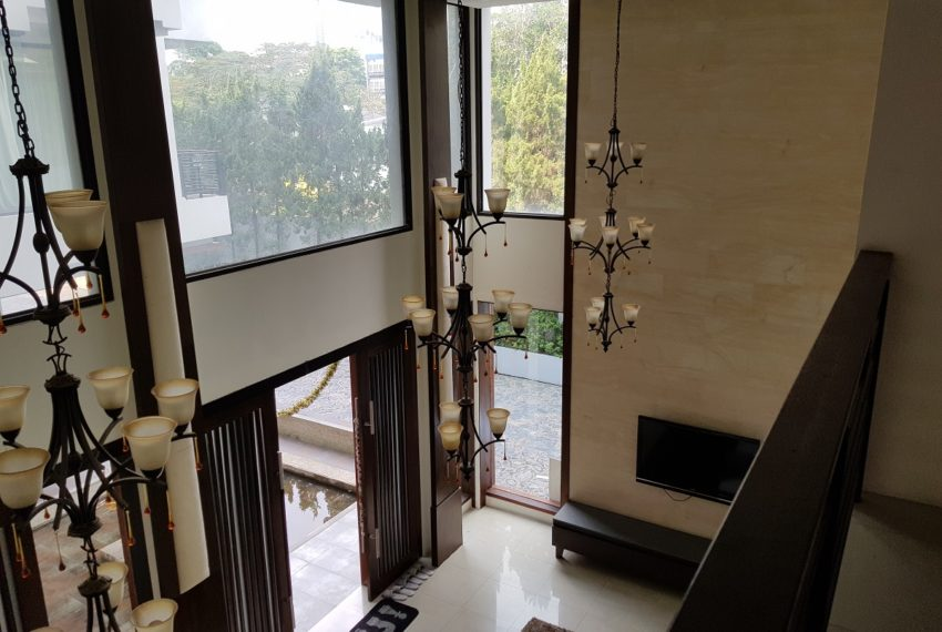 Unique House in the midst of Asoke - salon view
