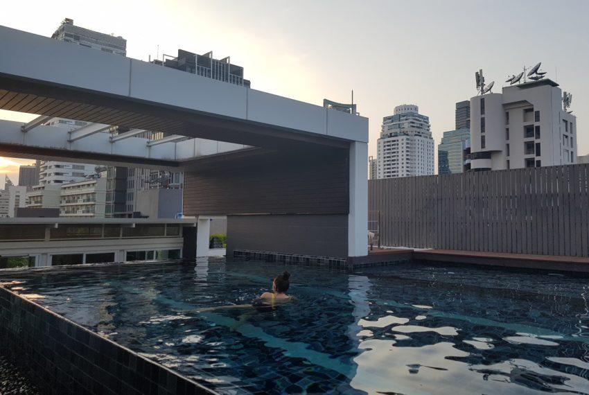 Urbana 15 - rooftop pool