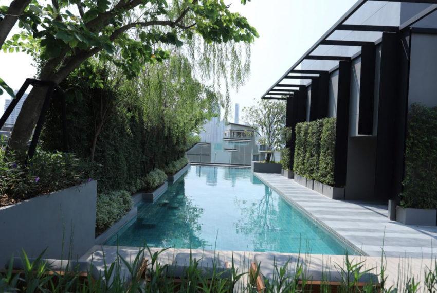 Urbitia Thonglor condo - pool