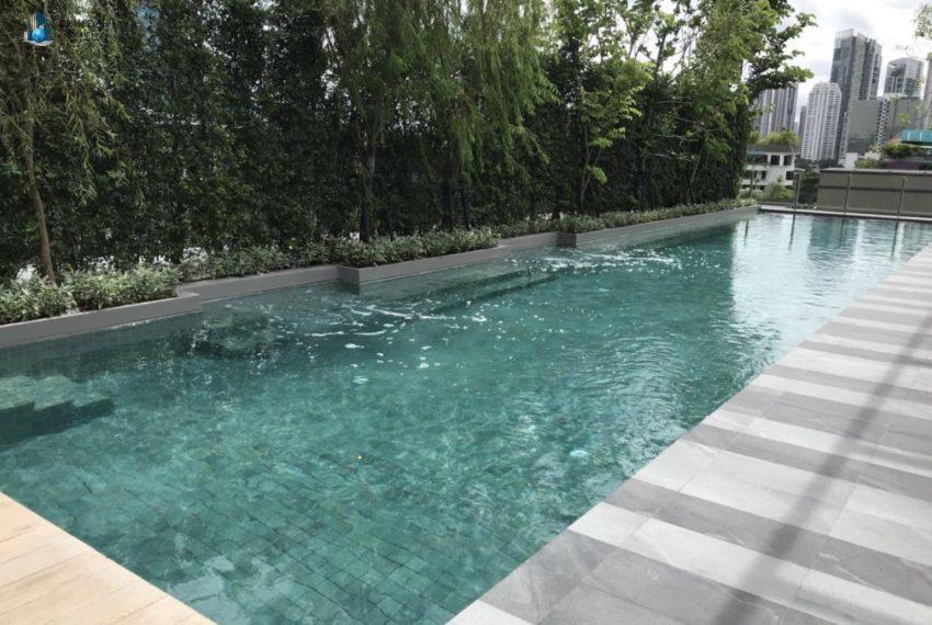 Urbitia Thonglor condo - swimming pool
