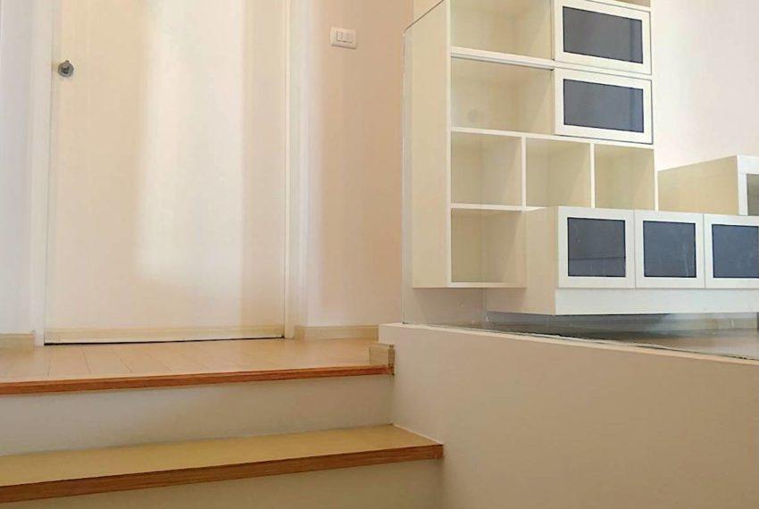 VIlla Asoke_Stair2_Rent