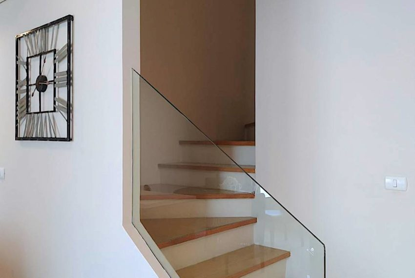 VIlla Asoke_Stairs_Rent