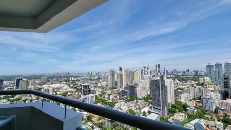 River-View Renovated Apartment in Sukhumvit Road - 2-Bedroom - High Floor - Waterford Diamond Tower
