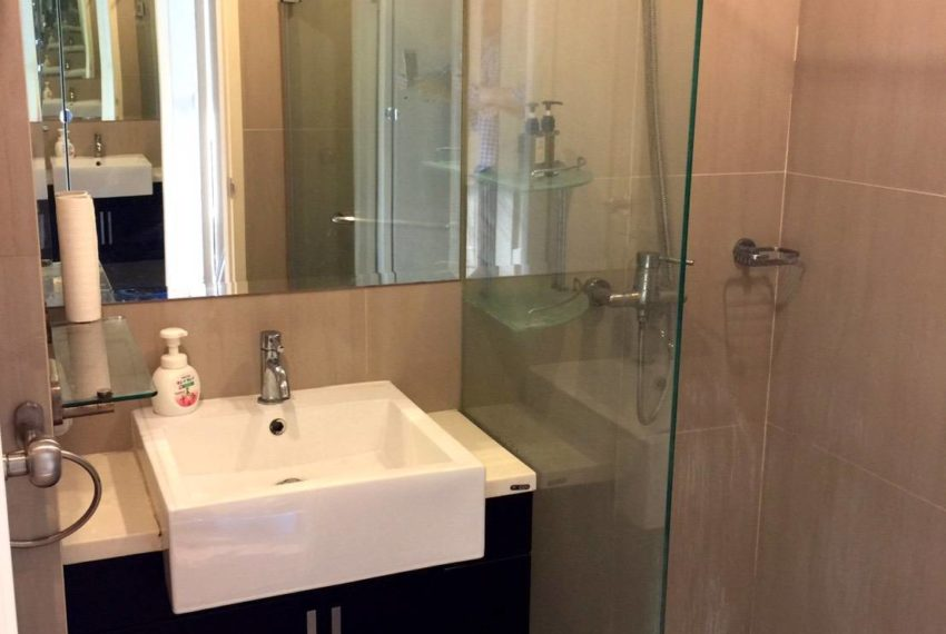 Villa Asoke 1 bedroom sale low floor - bathroom