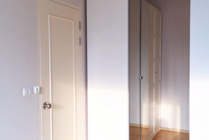 Villa Asoke 1 bedroom sale low floor - closet