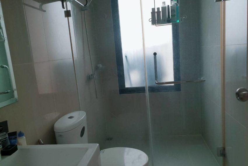 Villa Asoke 1b1b rent - bathroom