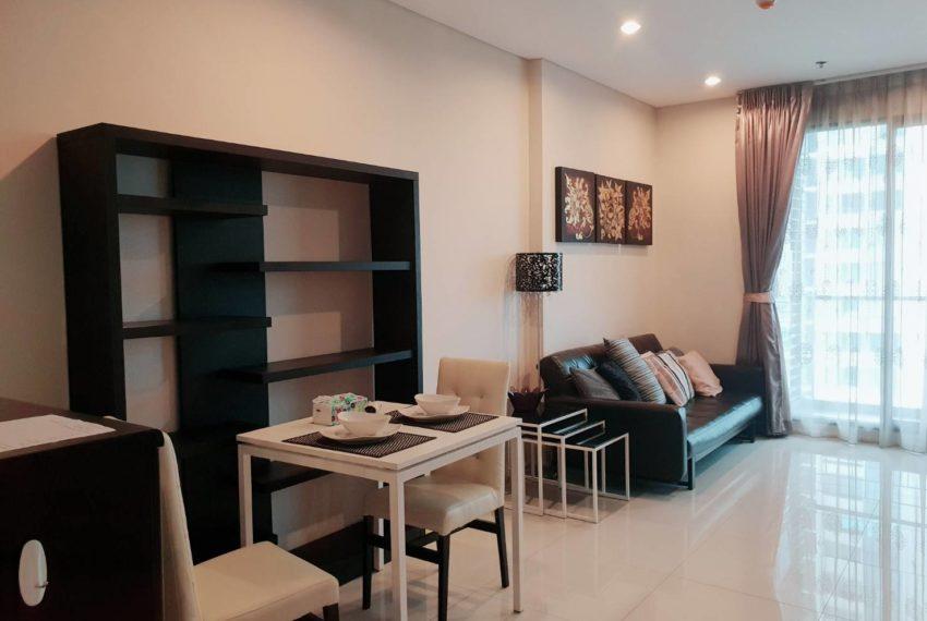 Villa Asoke 1b1b rent - living