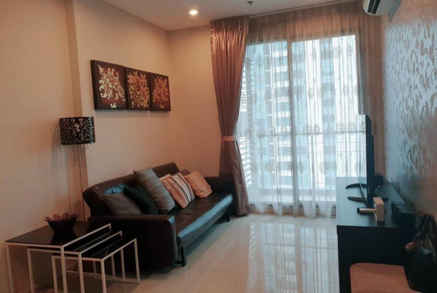 Villa Asoke 1b1b rent - living room