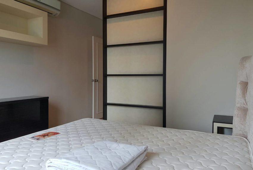 Villa-Asoke-2-bedroom-rental-mid-floor-bed