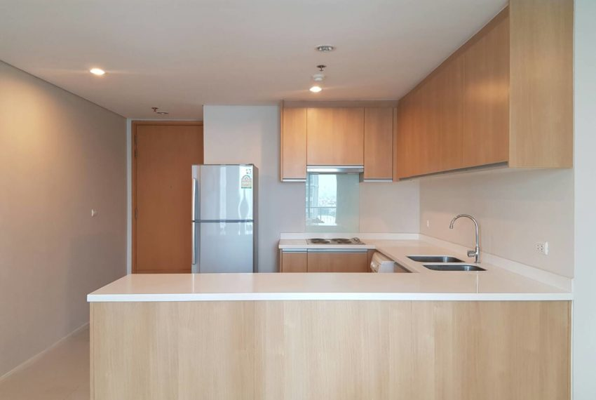 Villa-Asoke-2-bedroom-rental-mid-floor-kitchen