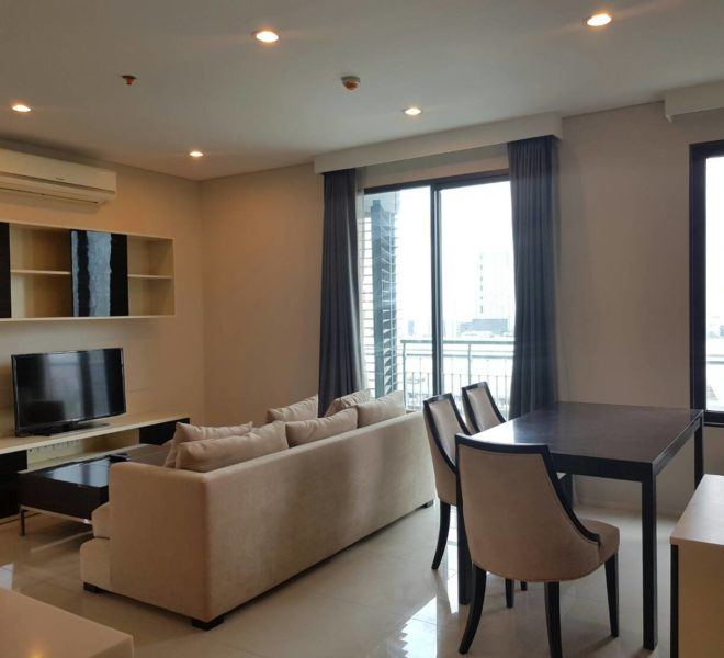 2-bedroom apartment for rent near MRT Phetchaburi - mid-floor - Villa Asoke